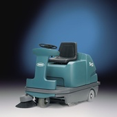 03-services-comm-M20 ride-on-sweepers .jpg